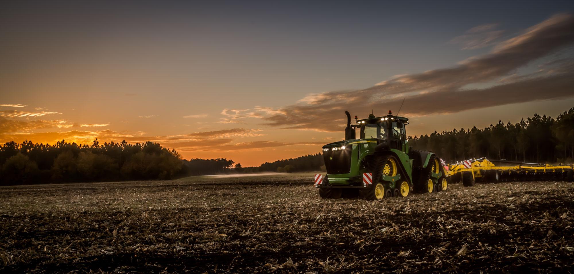 Mix témoignages lancement tracteurs 9R John Deere